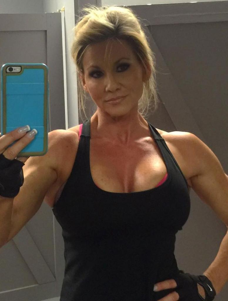 Deze sportieve dame doet alles om lekker fit te blijven
