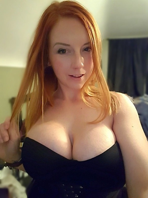 Wil iemand stikken in mijn tieten?